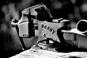 Factors & Features To Consider When Buying a Bench Vise